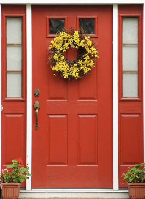 puerta principal roja