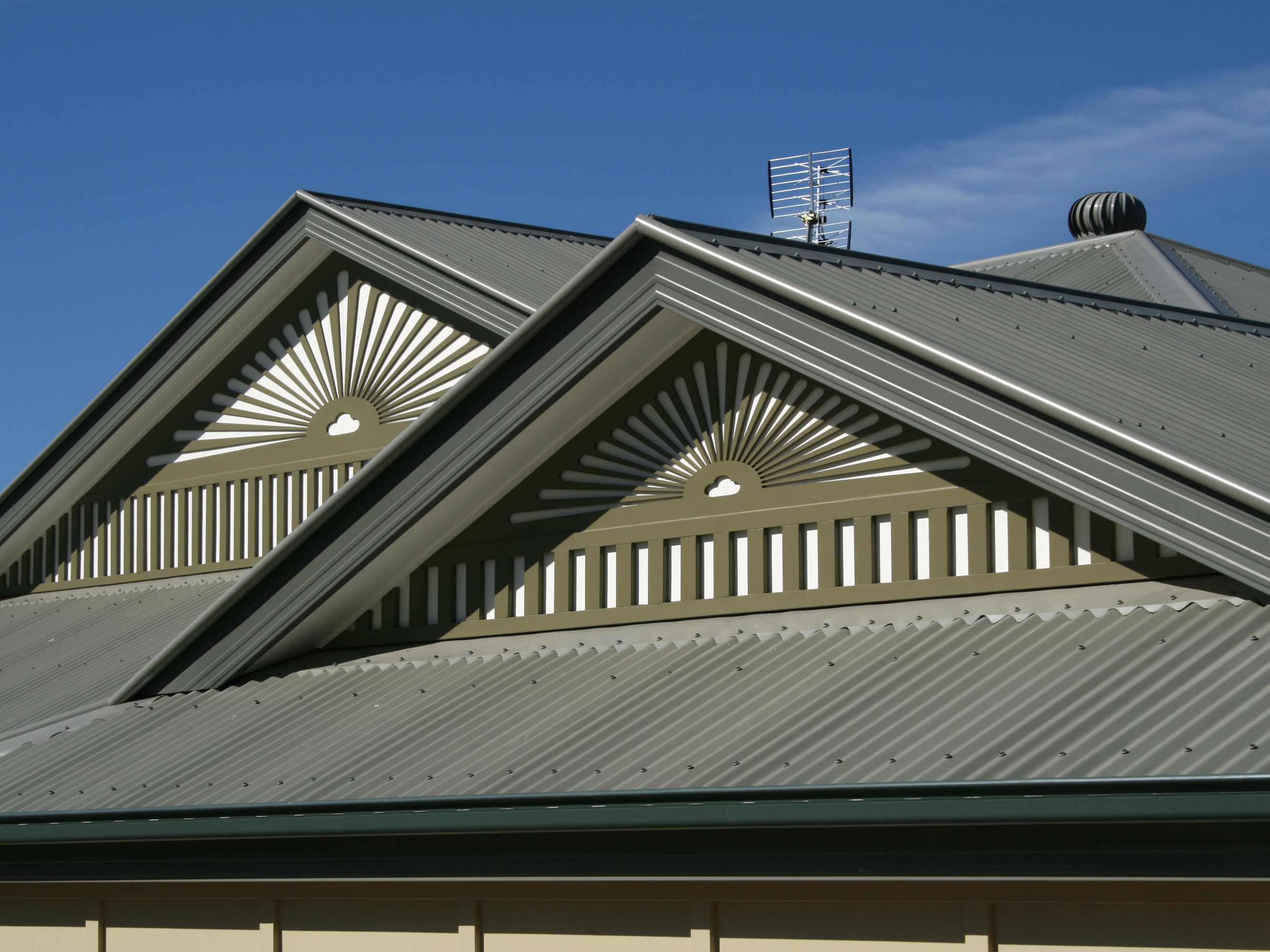 The Merits And Disadvantages Of Metal Roofs