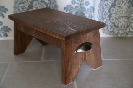 11 Free Step Stool Plans for an Easy DIY Project