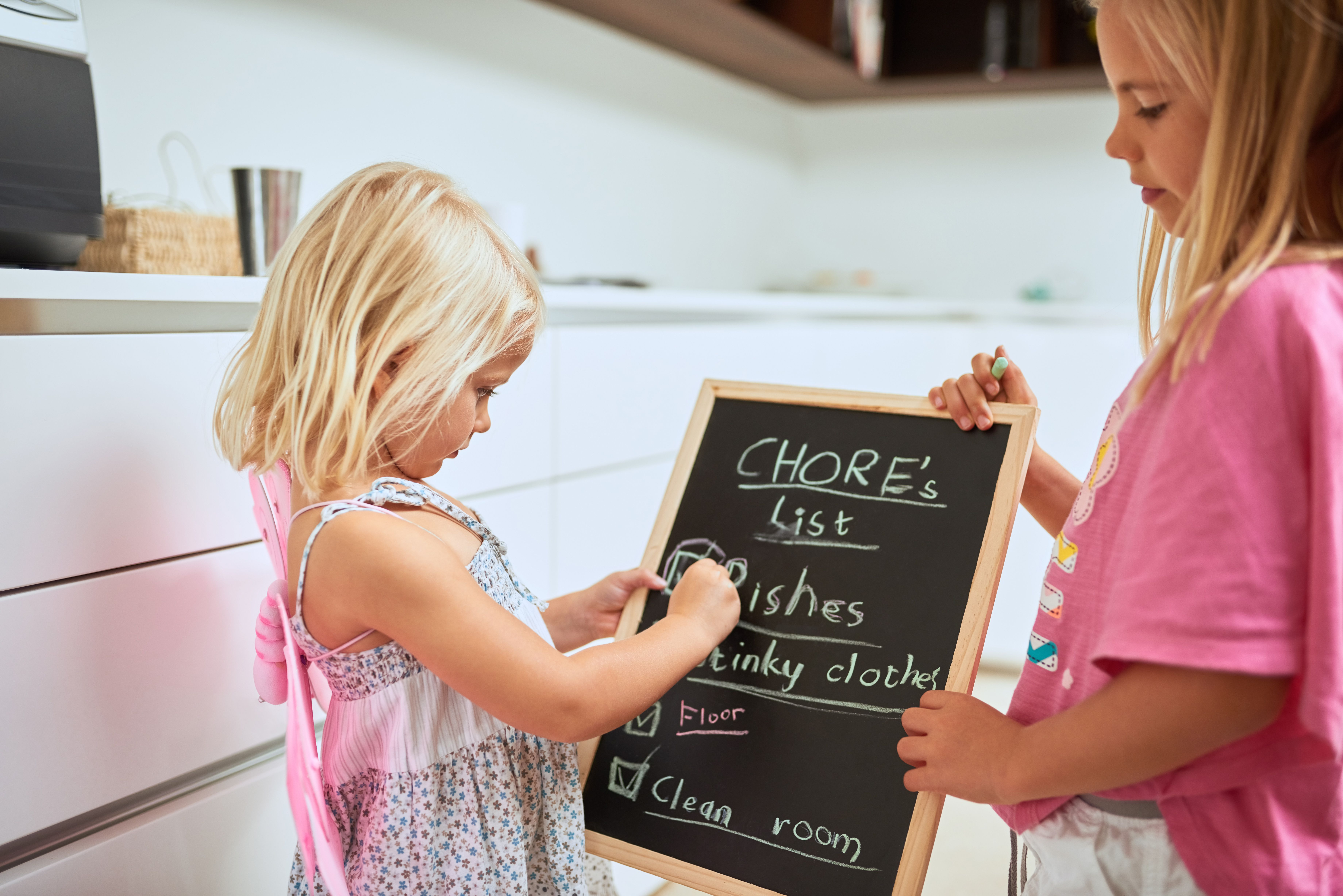 creating a cleaning schedule daily weekly monthly