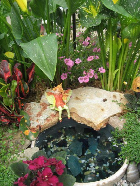 Brilliant Ideas For A Fairy Garden Beutiful Home Inspiration Ommitmahrainfo