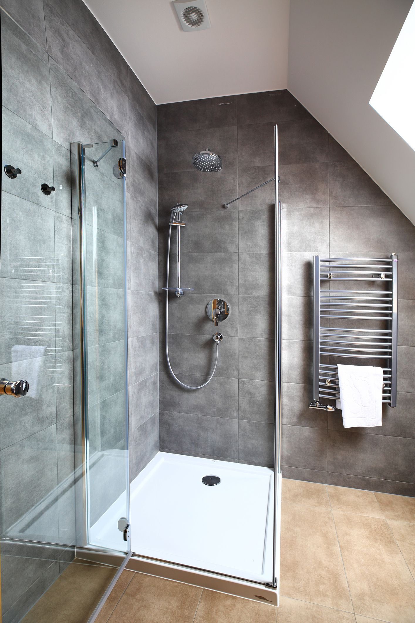 Installing A Tiled Shower Stall With Polyurethane Pan