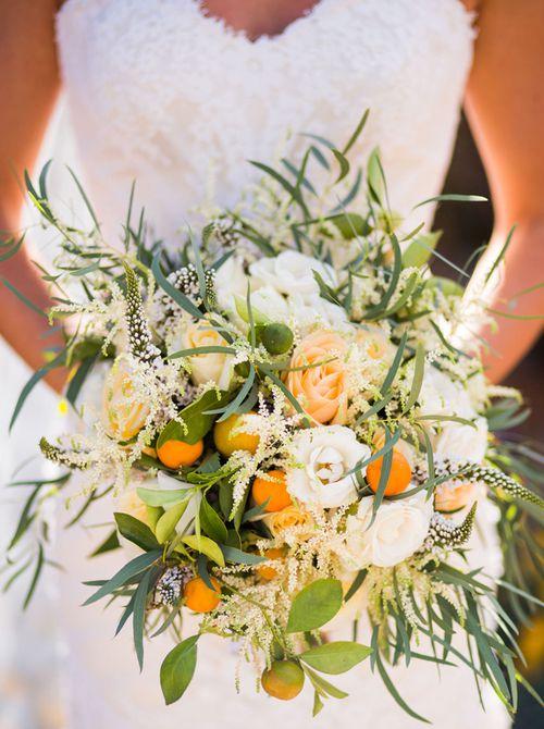 Ramo de novia de verano de cítricos