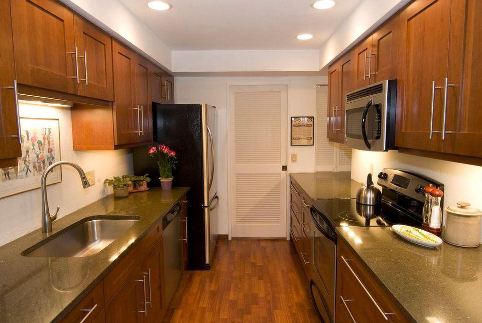 Fantastic Space-Saving Galley Kitchen Ideas