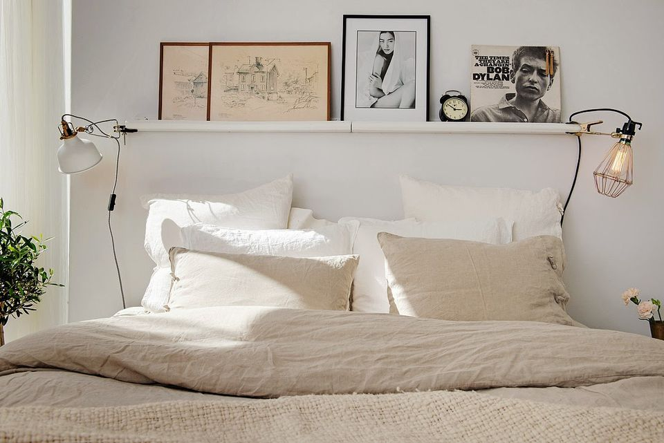 9 Sophisticated Beds Without The Headboard