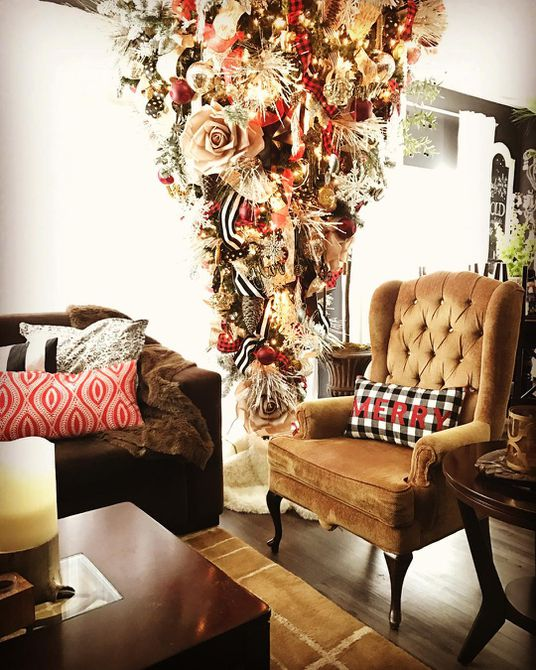 árbol de navidad al revés de cinta y flor