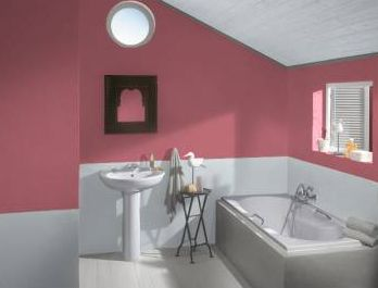A Romantic Look For Top Floor Bathroom