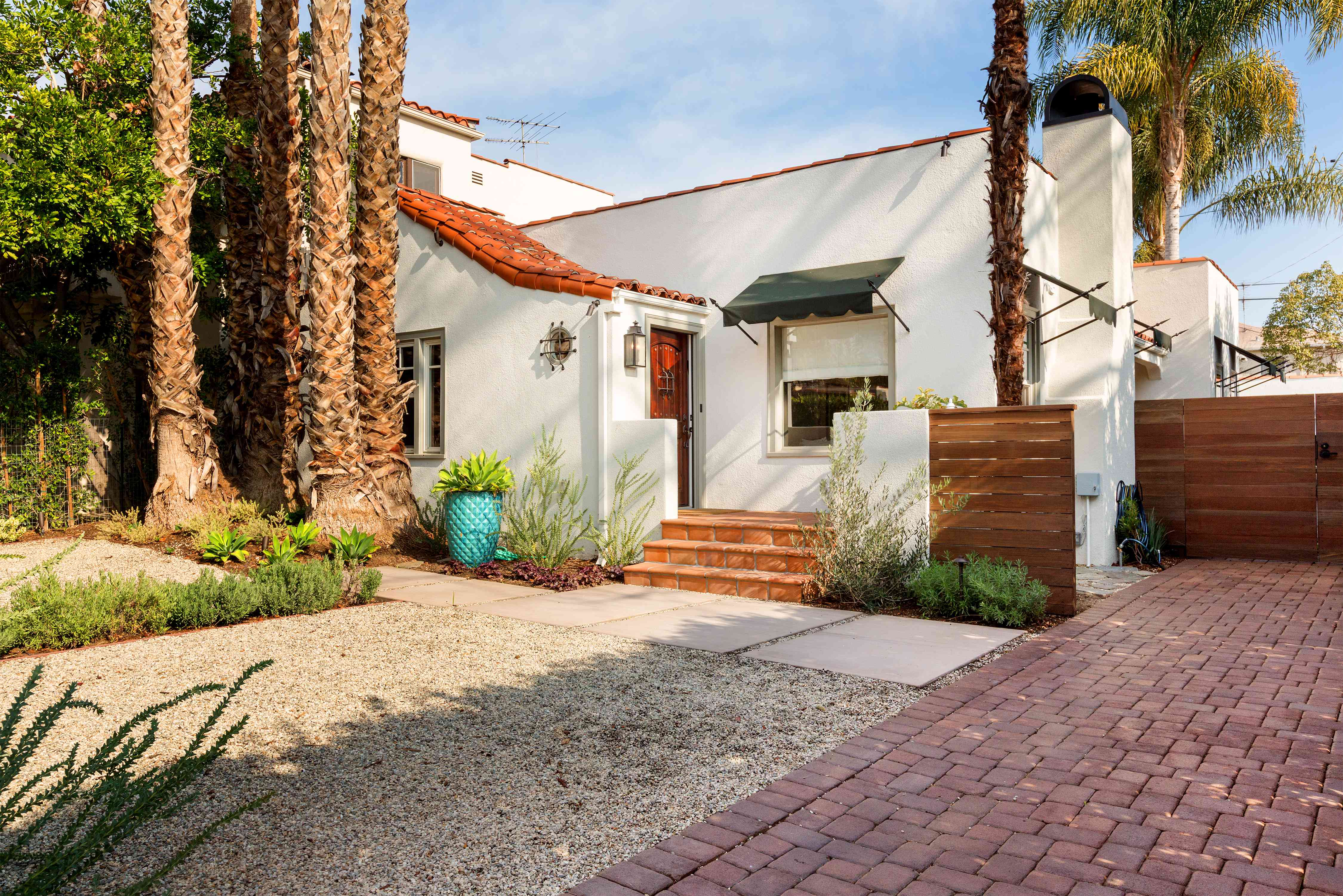 bungalow in Spanish Colonial Style