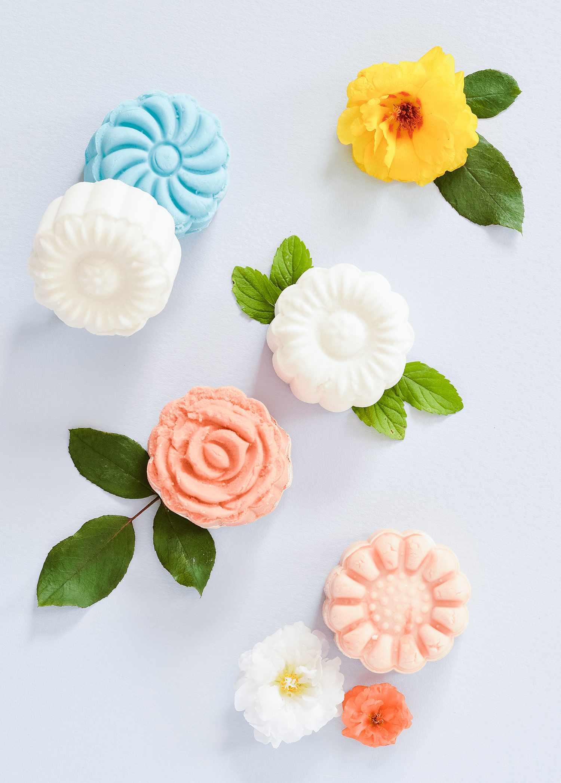 Bath bombs shaped like flowers