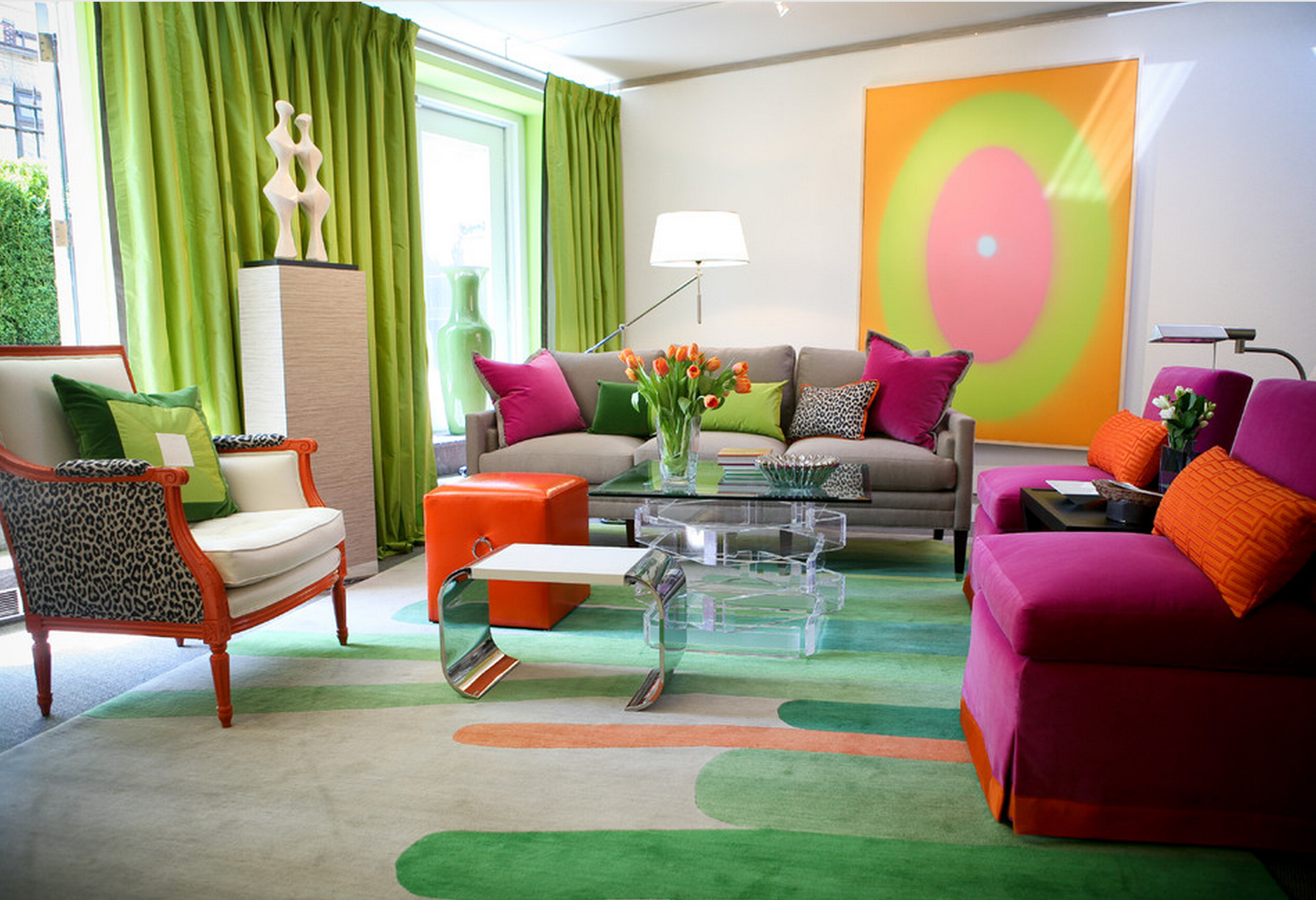 Sala de estar colorida de Kips Bay Showhouse