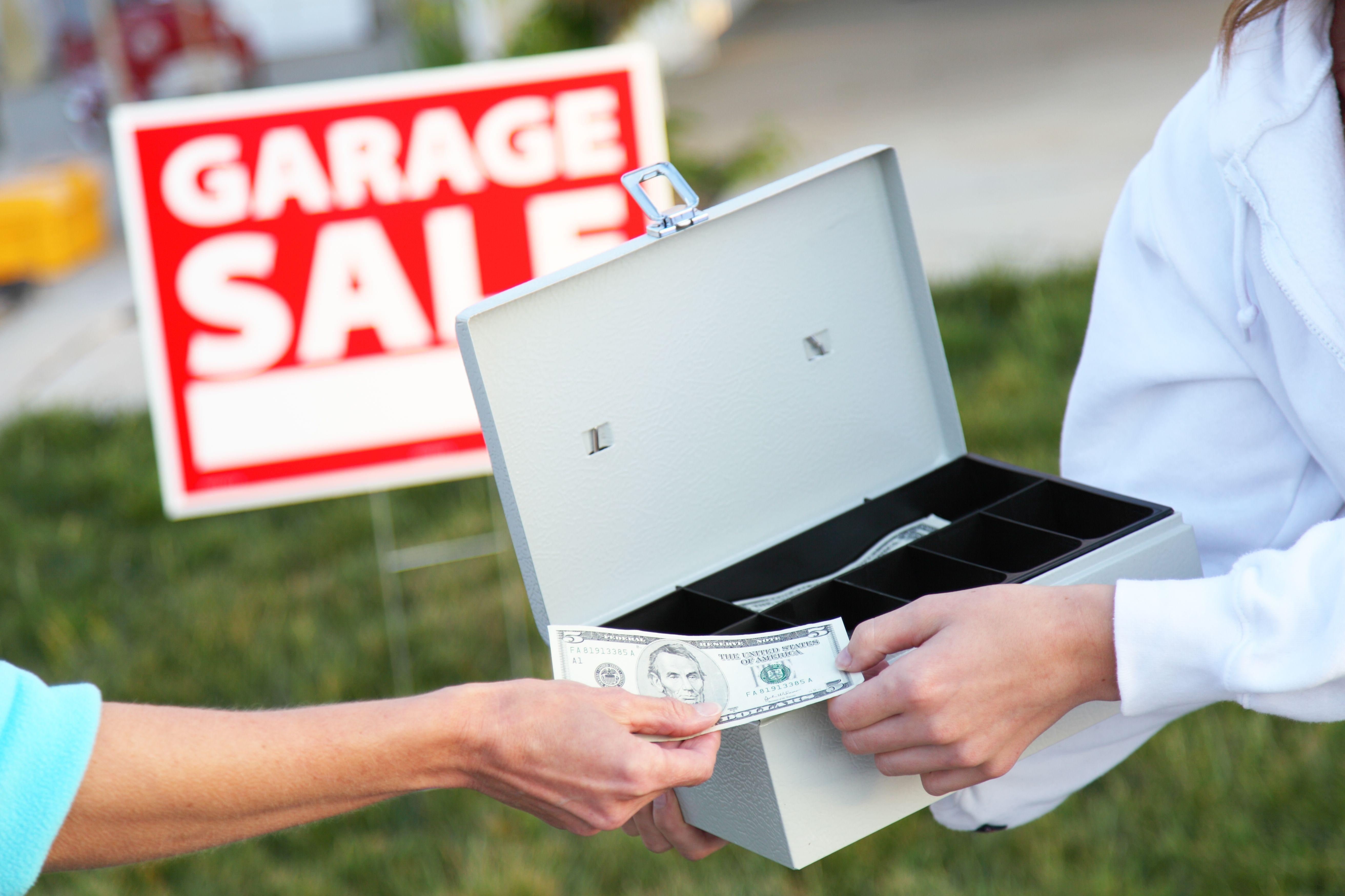 Efectivo de venta de garaje