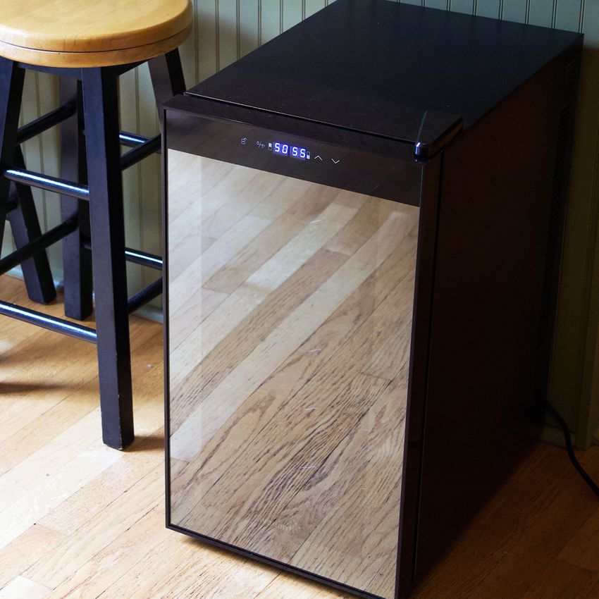 Ivation 18-Bottle Dual Zone Thermoelectric Wine Cooler