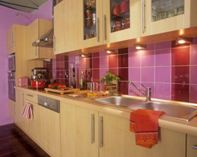 Brilliant, colorful kitchen backsplash