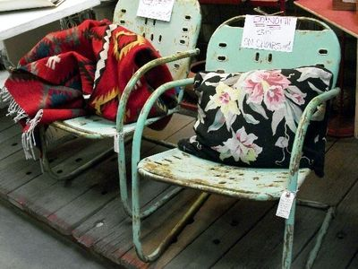 Learn What To Look For When Ping Vintage Outdoor Furniture