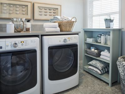 Laundry routines around the world 10 essential laundry room tools solutioingenieria Images