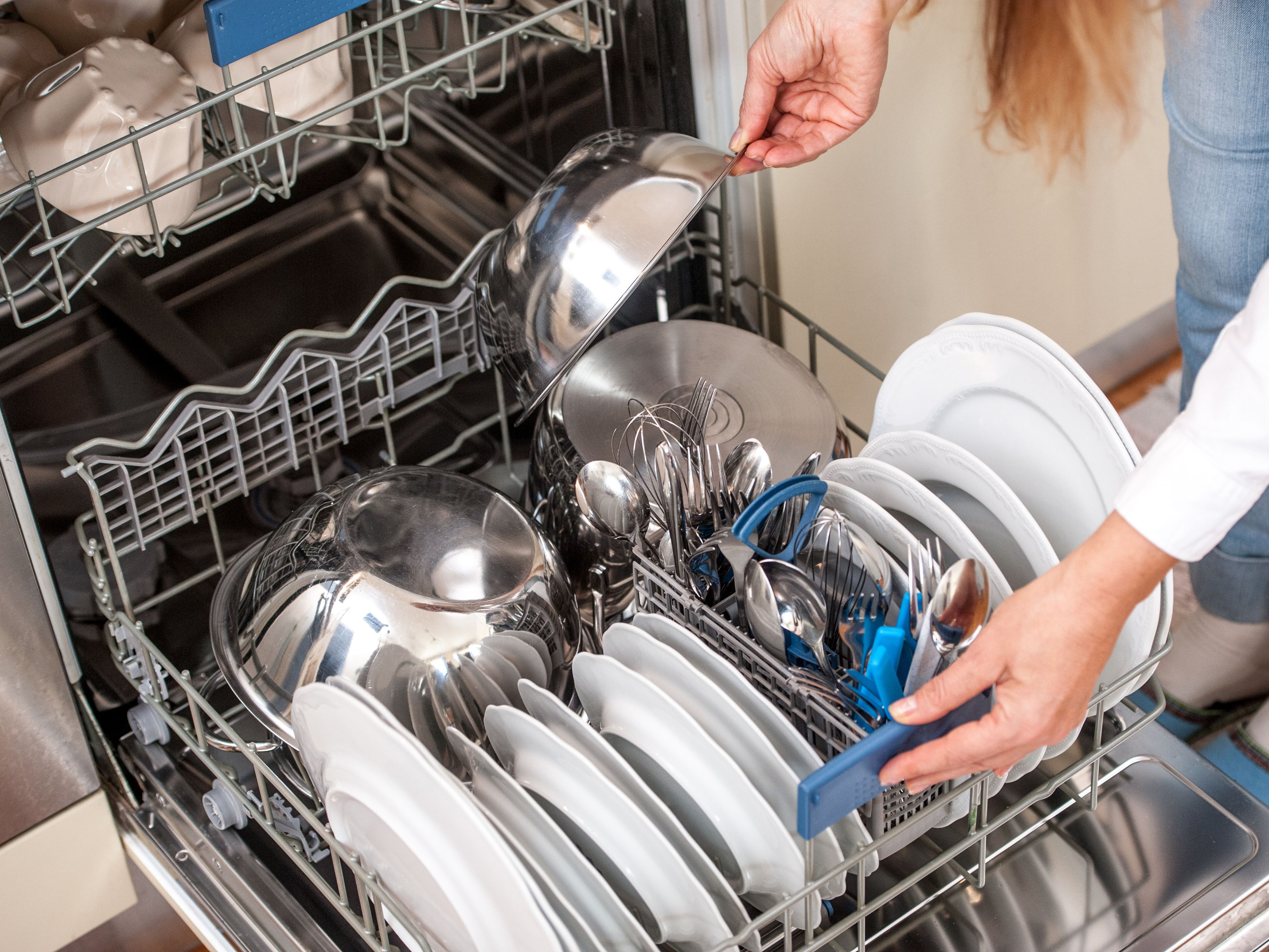 How To Load A Dishwasher The Right Way