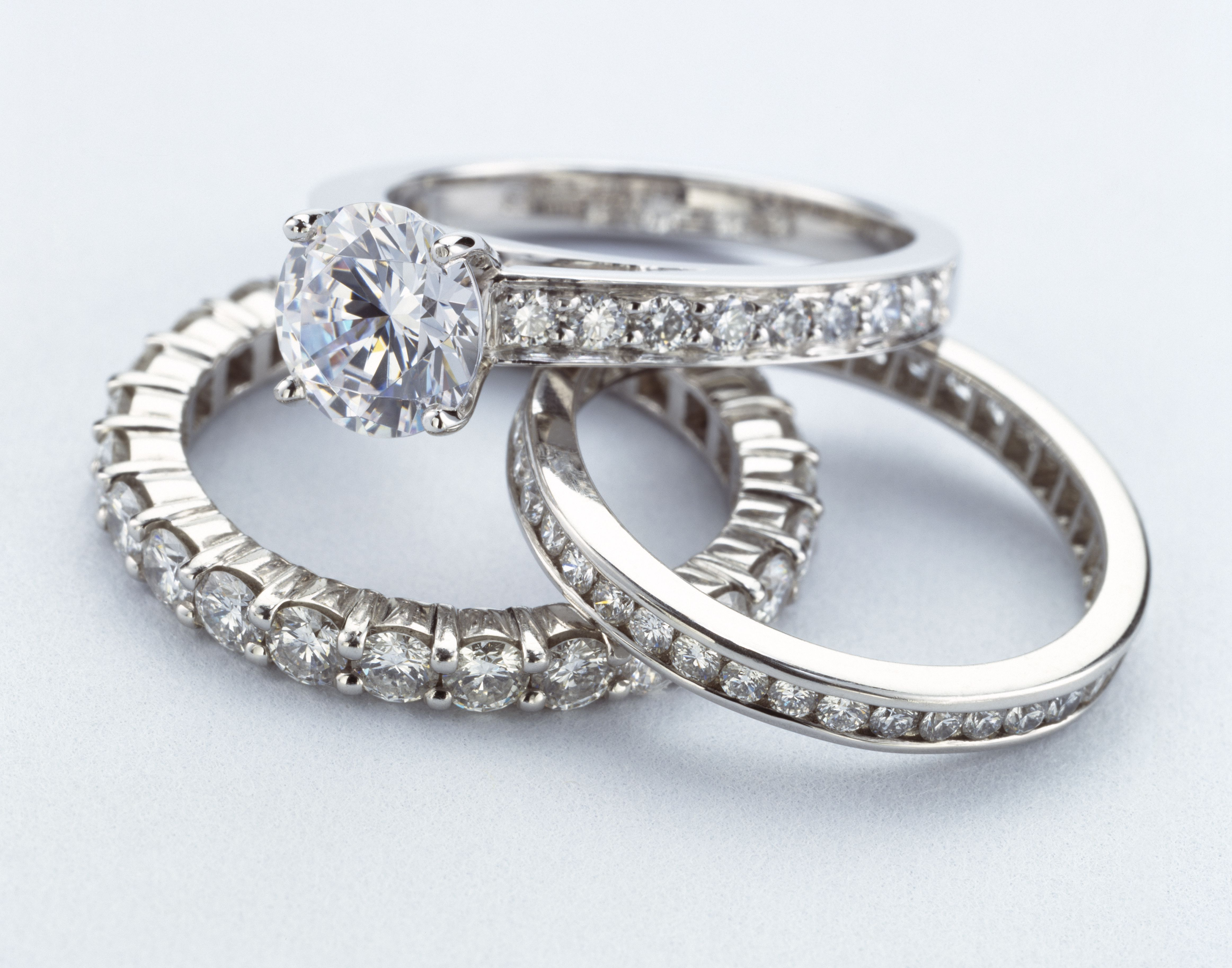 What Is a Pave Setting