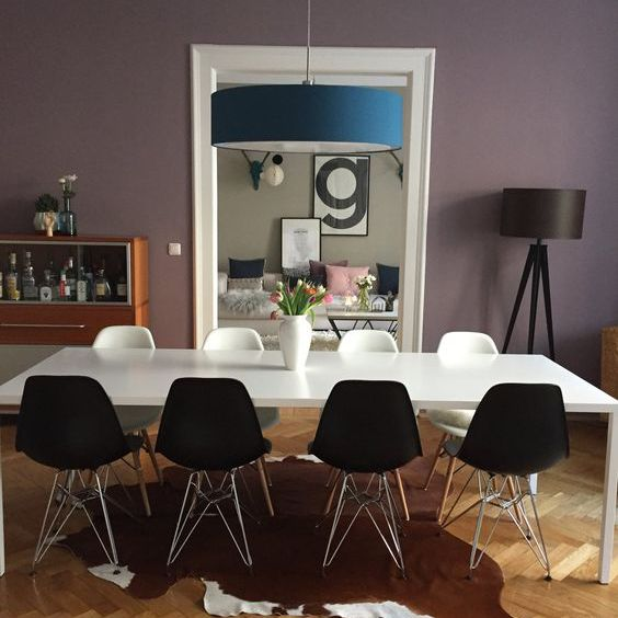 Dining room with purple wall