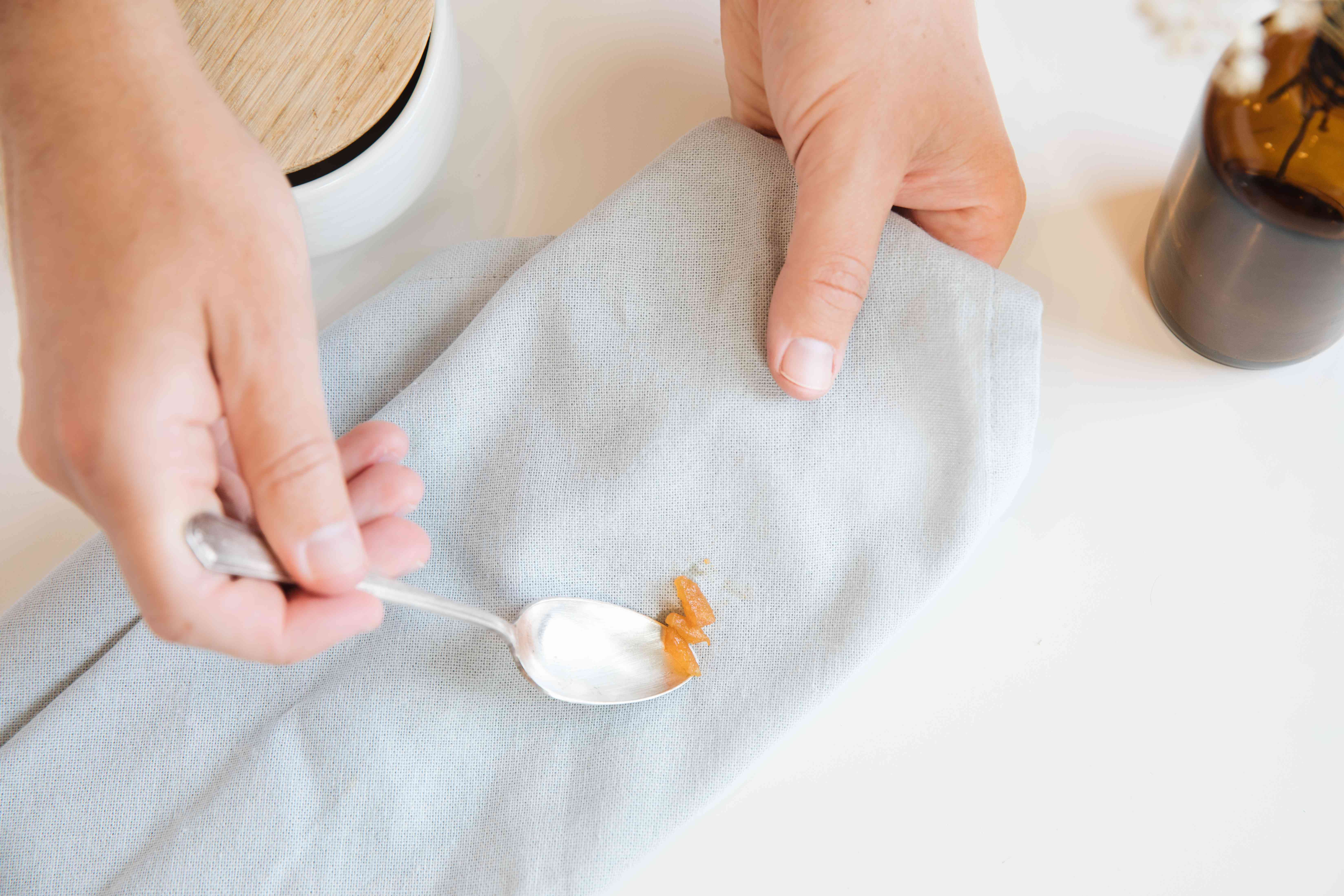 lifting peach stain solids off of fabric