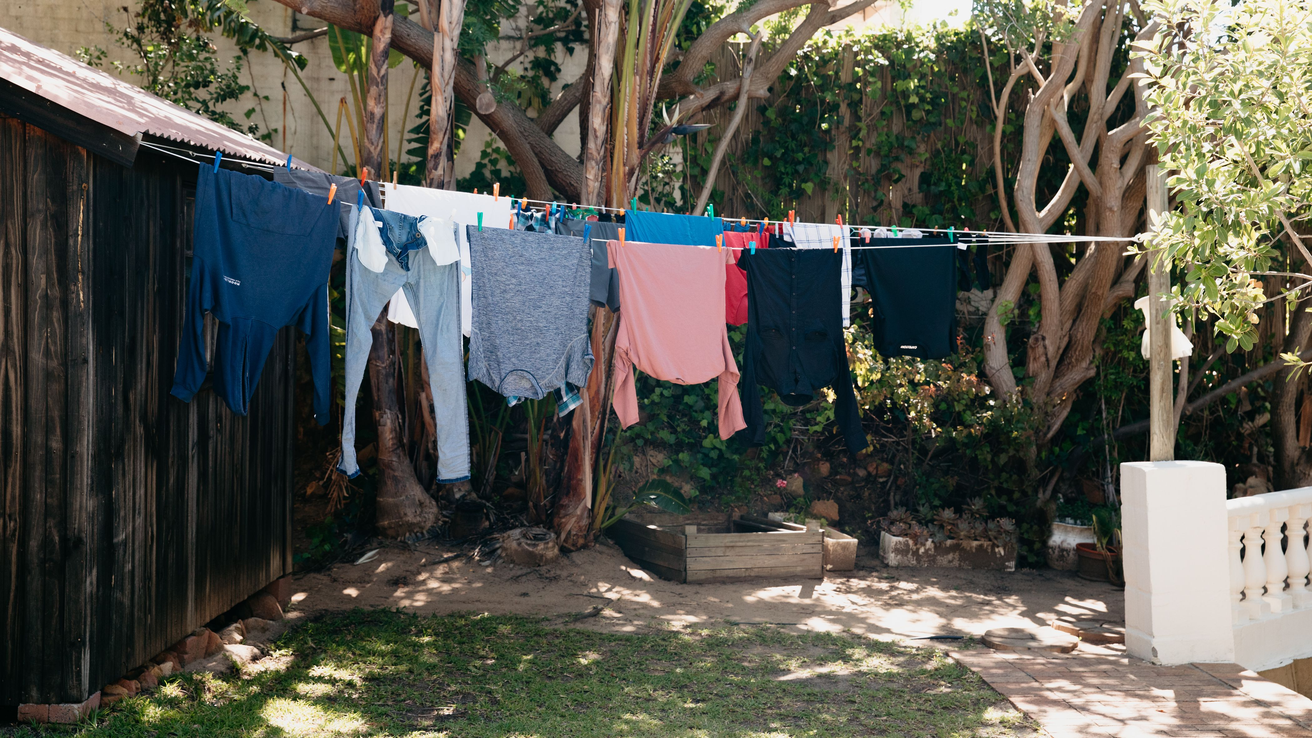How To Hang Clothes On A Clothesline, Small Round Clothesline