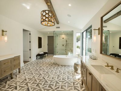 Works Of Art 32 Luxurious Bathroom Designs Ideas