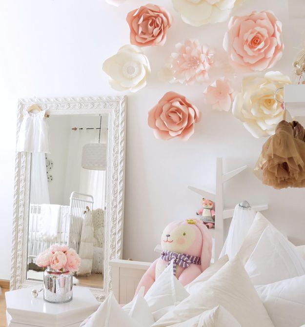 Hermosa pared de acento rosa de papel 3D