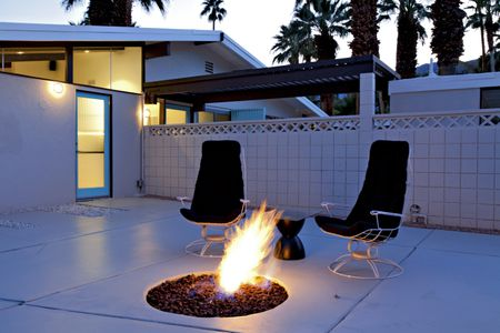 midcentury modern palm springs patio - Concrete Patio Designs