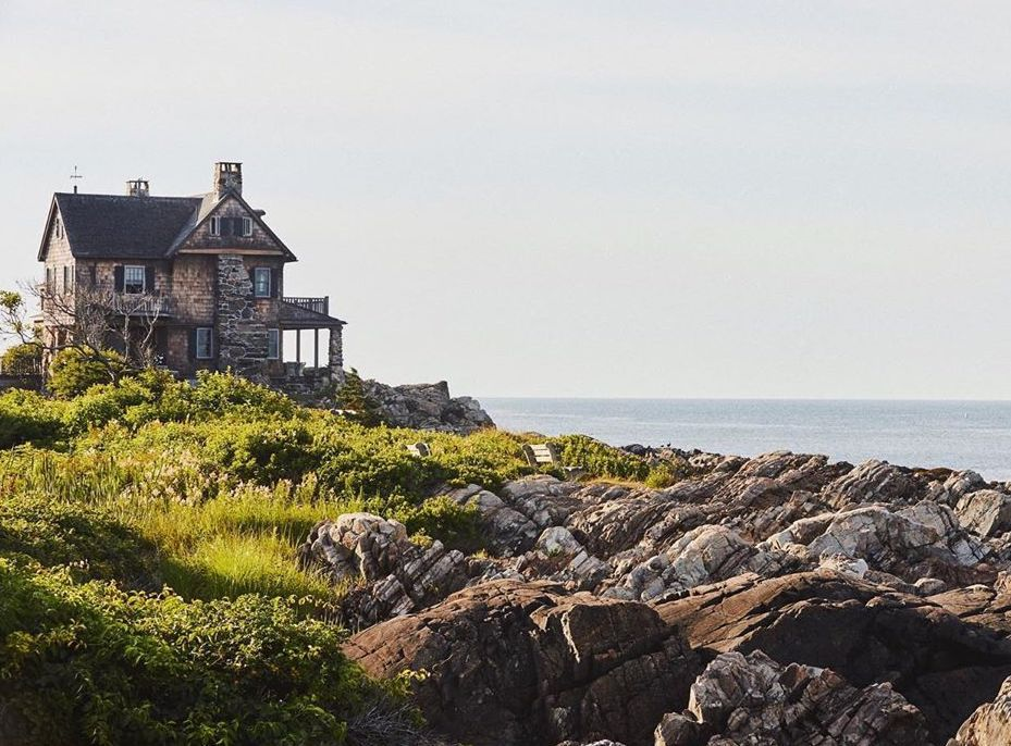 A house on a cliff in Kennebunkport Maine