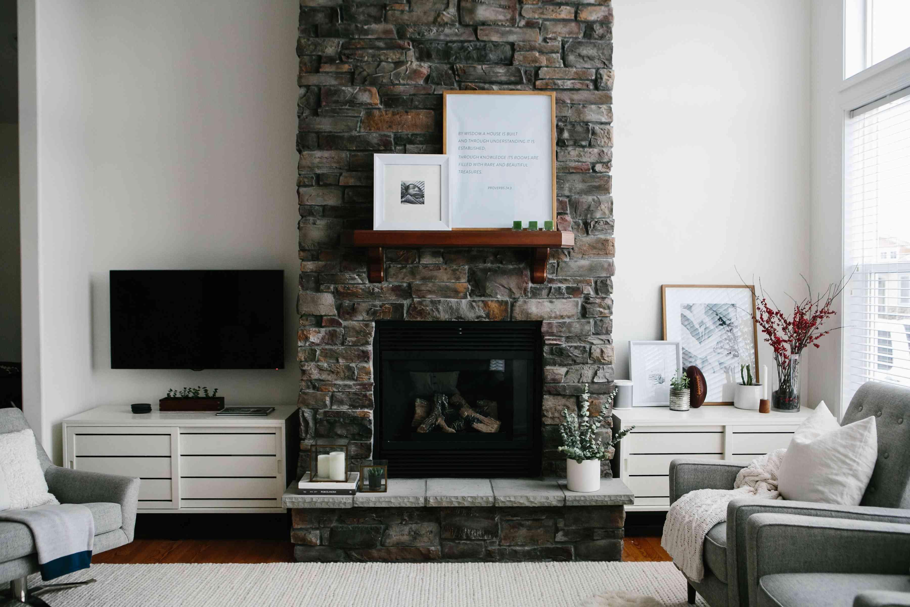20 Stylish Mantel Ideas for Your Decorating Inspiration