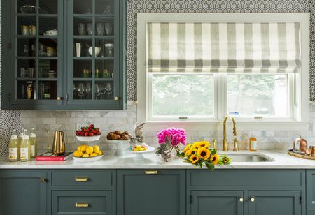 26 Kitchen Paint Colors Ideas You Can Easily Copy - Colored-kitchens