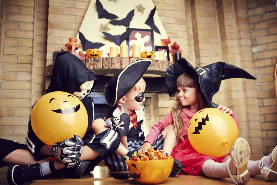 A picture of kids at a Halloween party