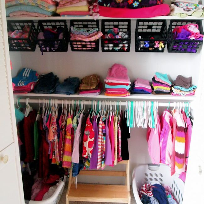 DIY Hanging Closet Organization Baskets