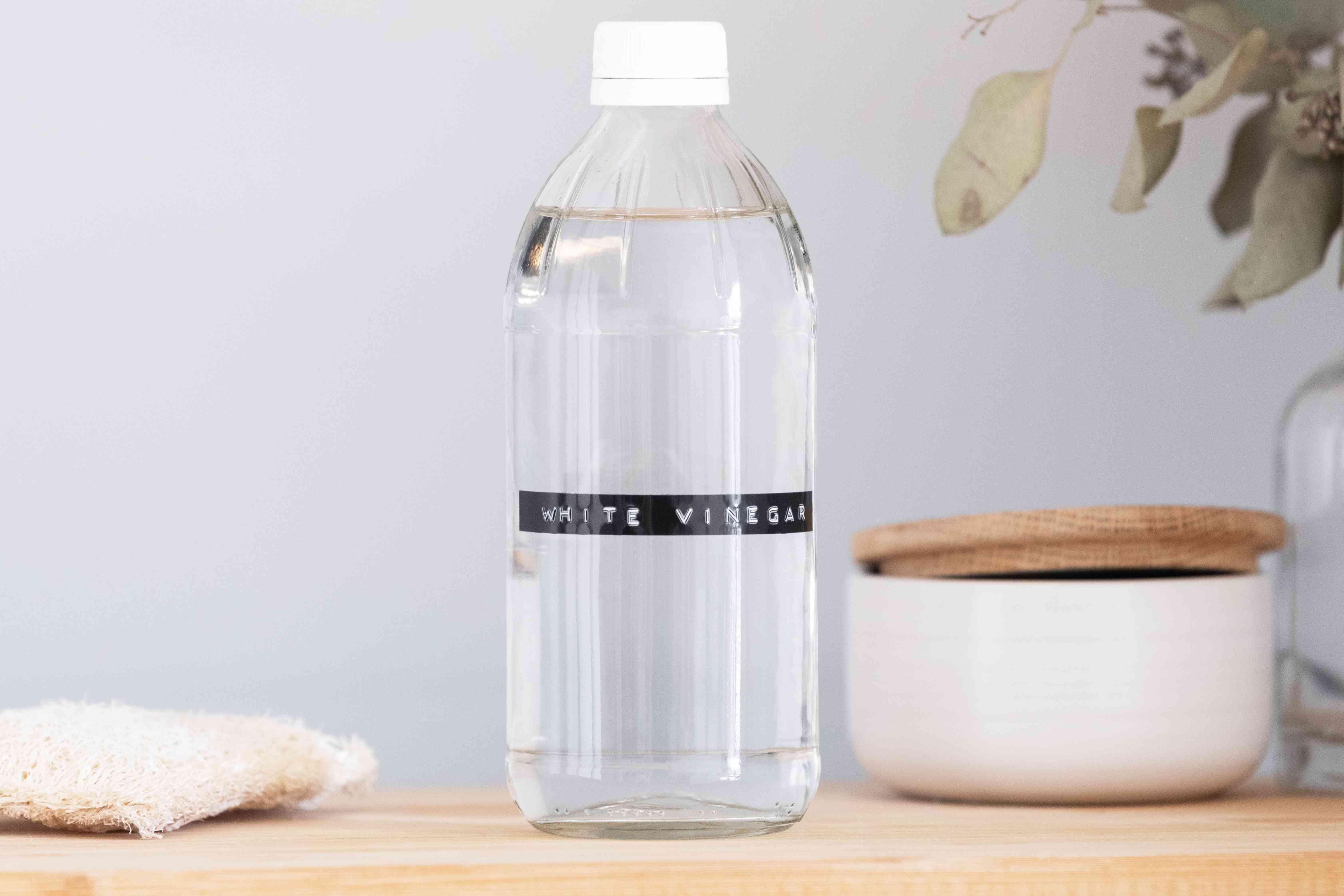 bottle of white vinegar