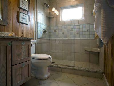 Wood in Your Bathroom? Yes, You Can! Bathroom Ideas