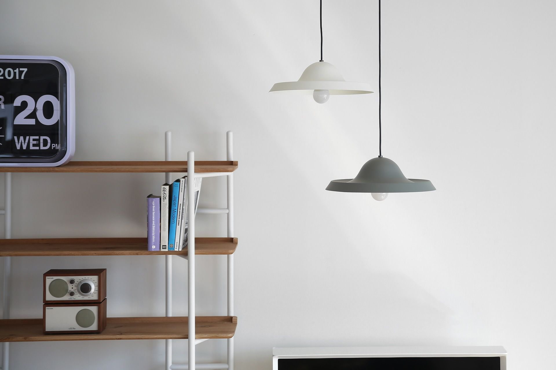 Definition of pendant light definition