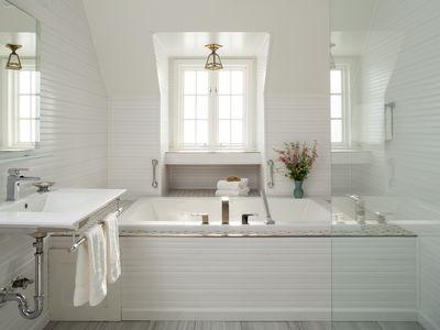 Luxury White Bathroom with Bathtub
