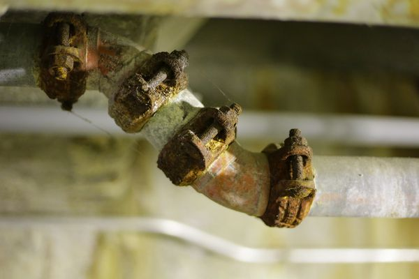 corroded pipes