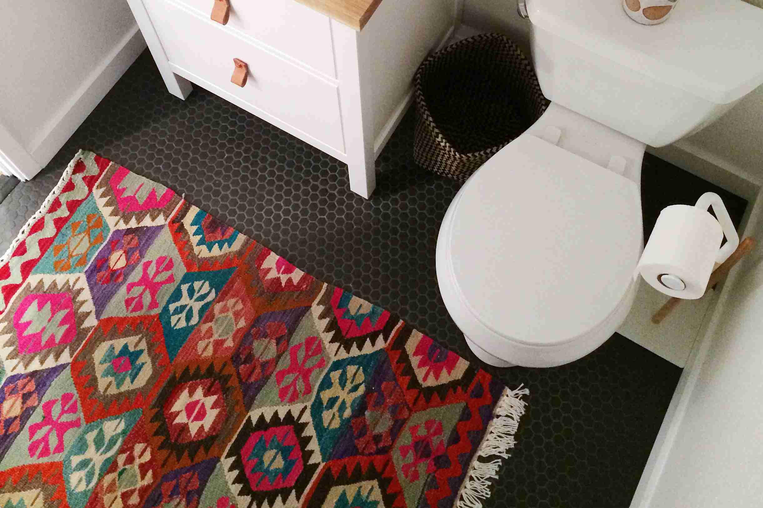 beautiful bathroom rug