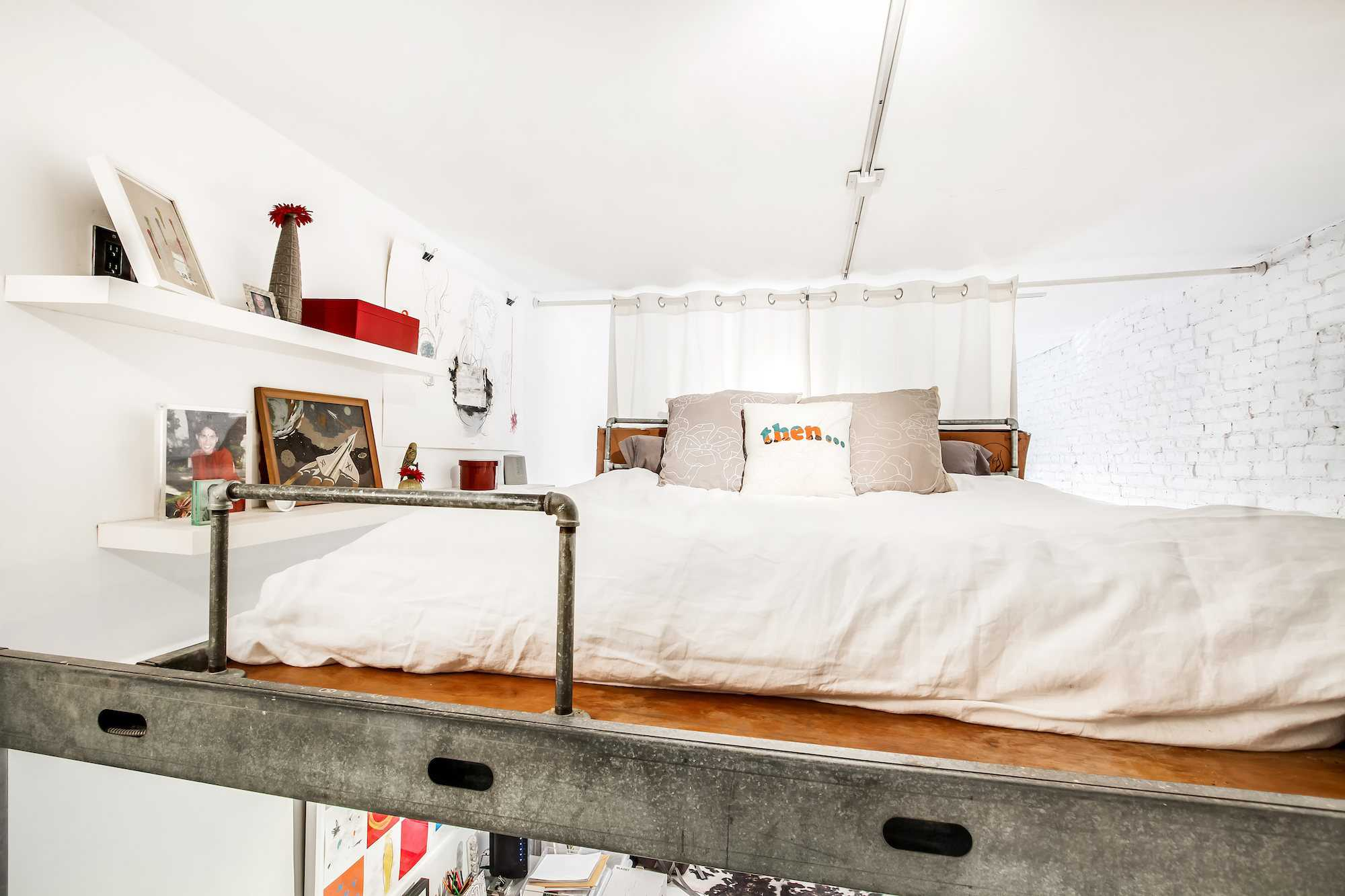 25 Adult Loft Bed Ideas For Small Rooms And Apartments