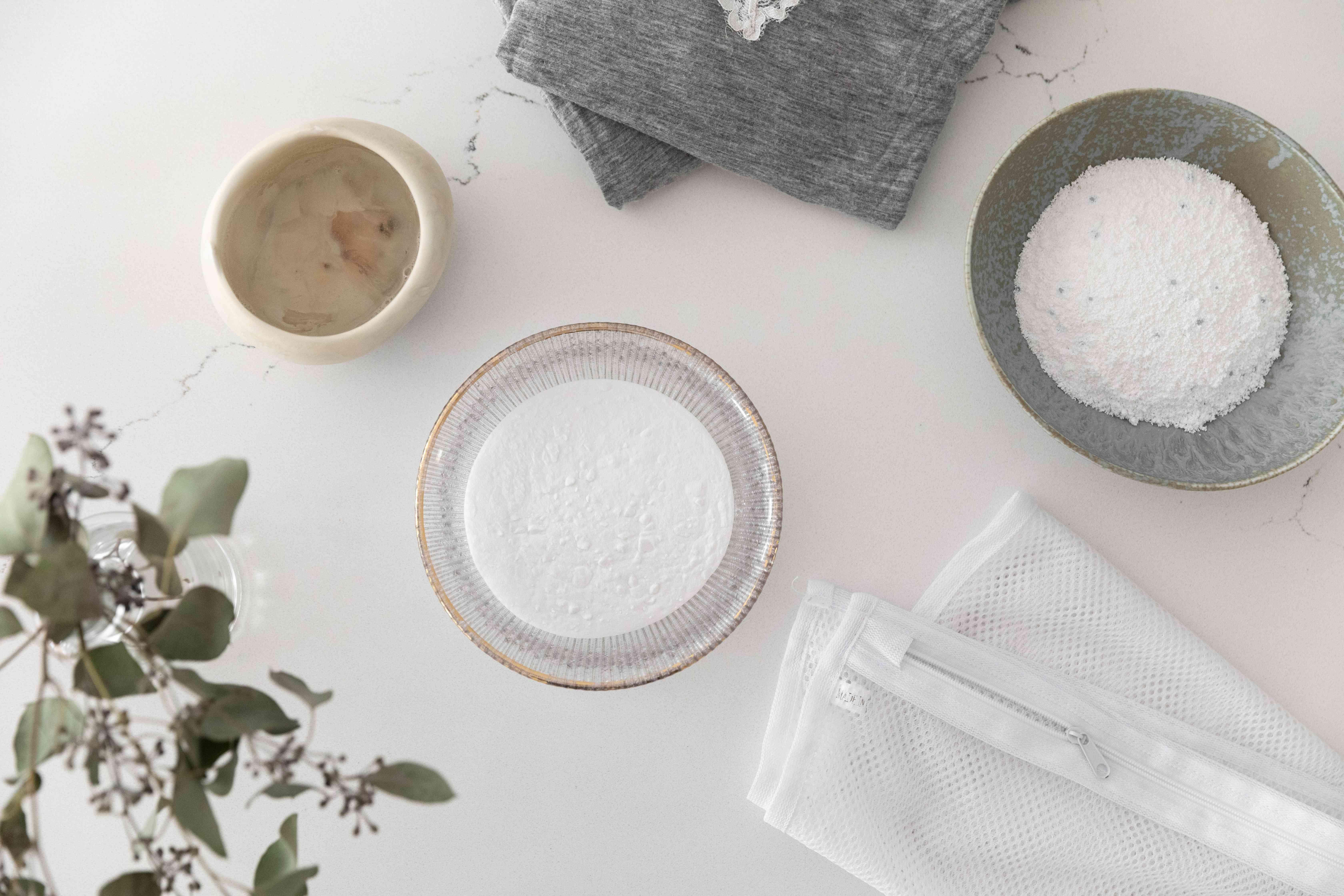 Ingredients for washing modal clothing