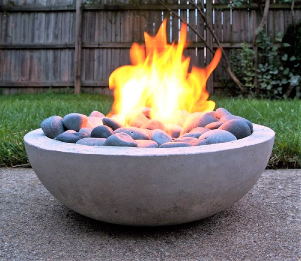10 Creative DIY Backyard Fire Pits