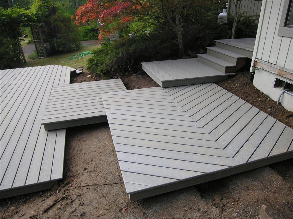 Platform-style decks for entryway