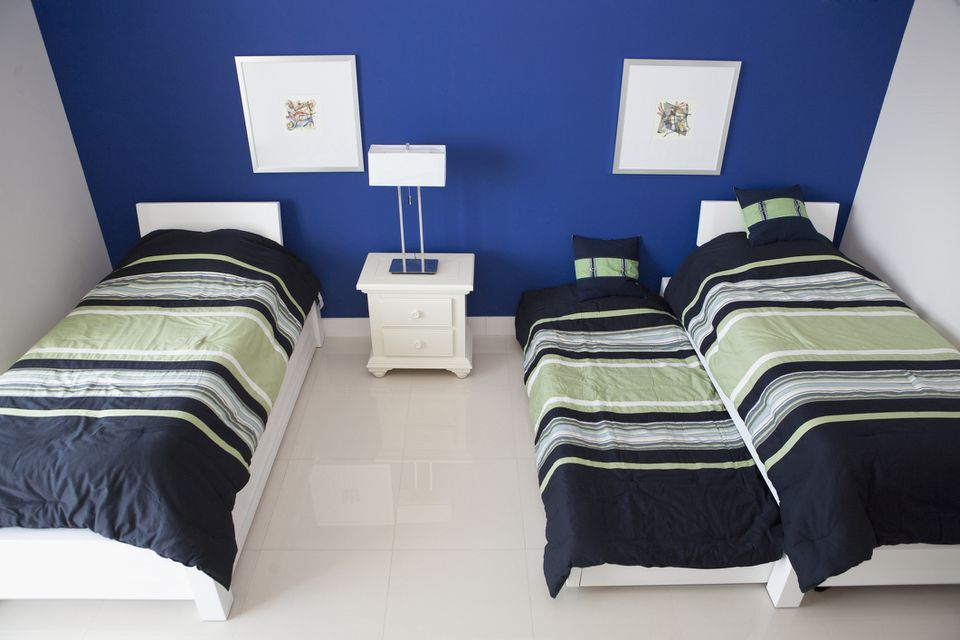 trundle bed in a child's room