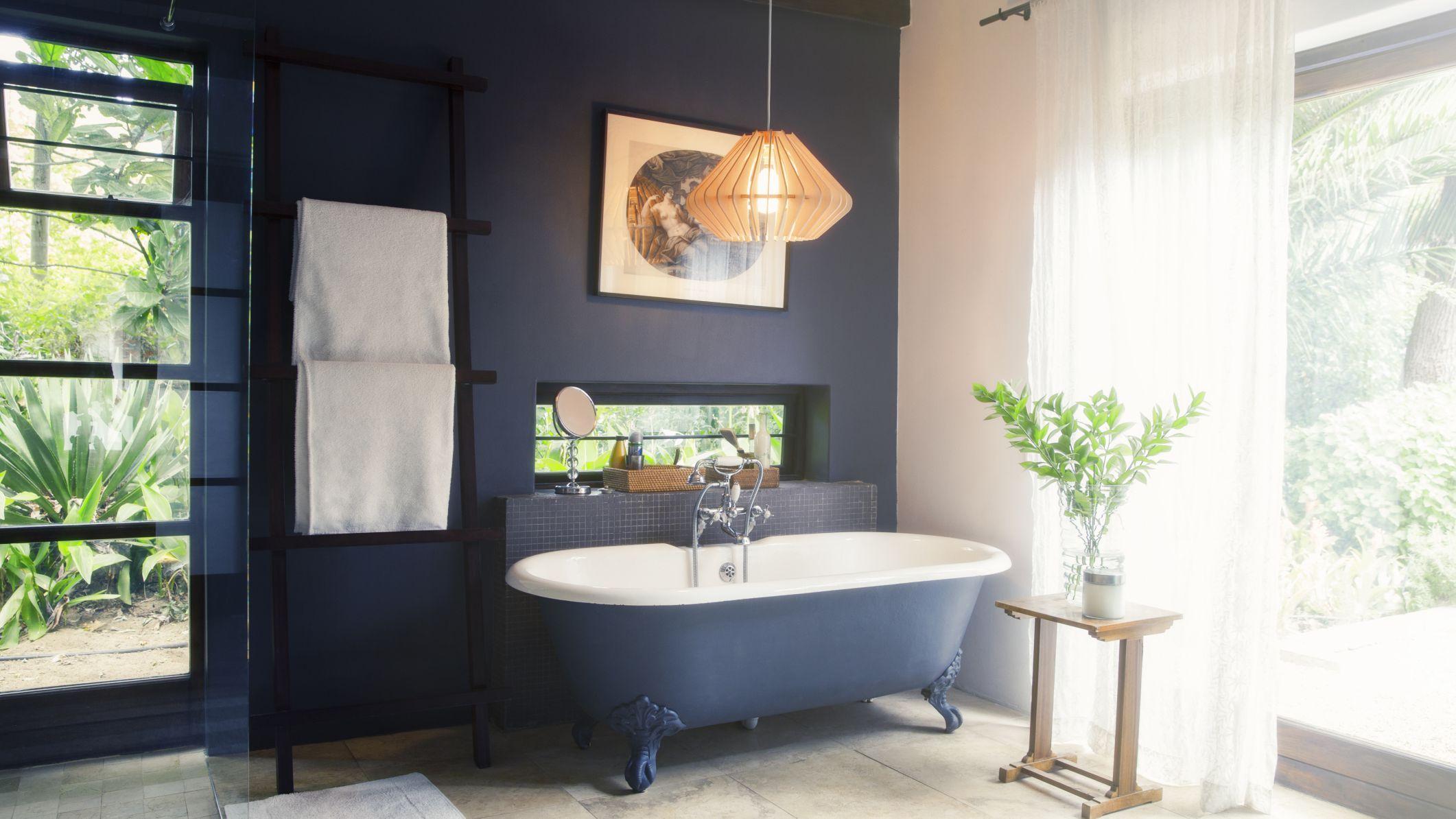 9 Navy Blue Bathroom Ideas