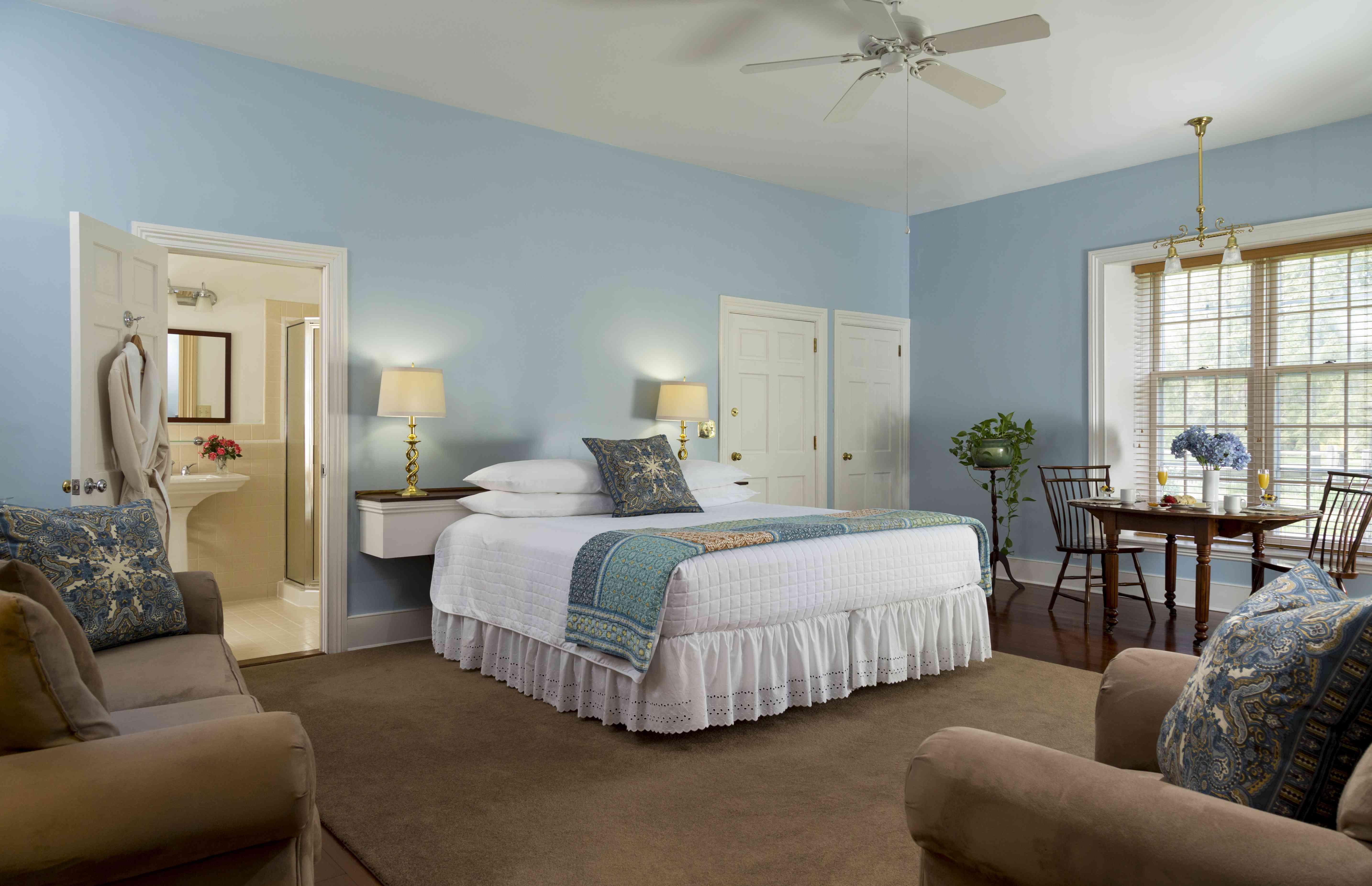 Blue bedroom with breakfast