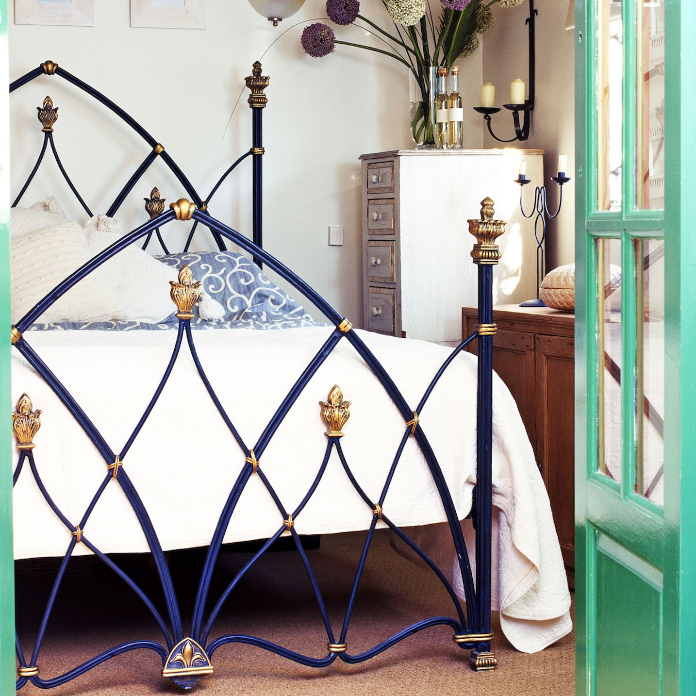 Worst Feng Shui Bed Placements