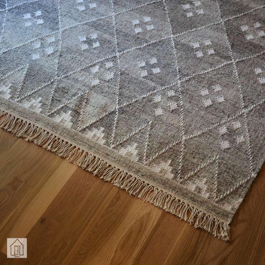 Langley Street Aldergrove Handwoven Wool Area Rug