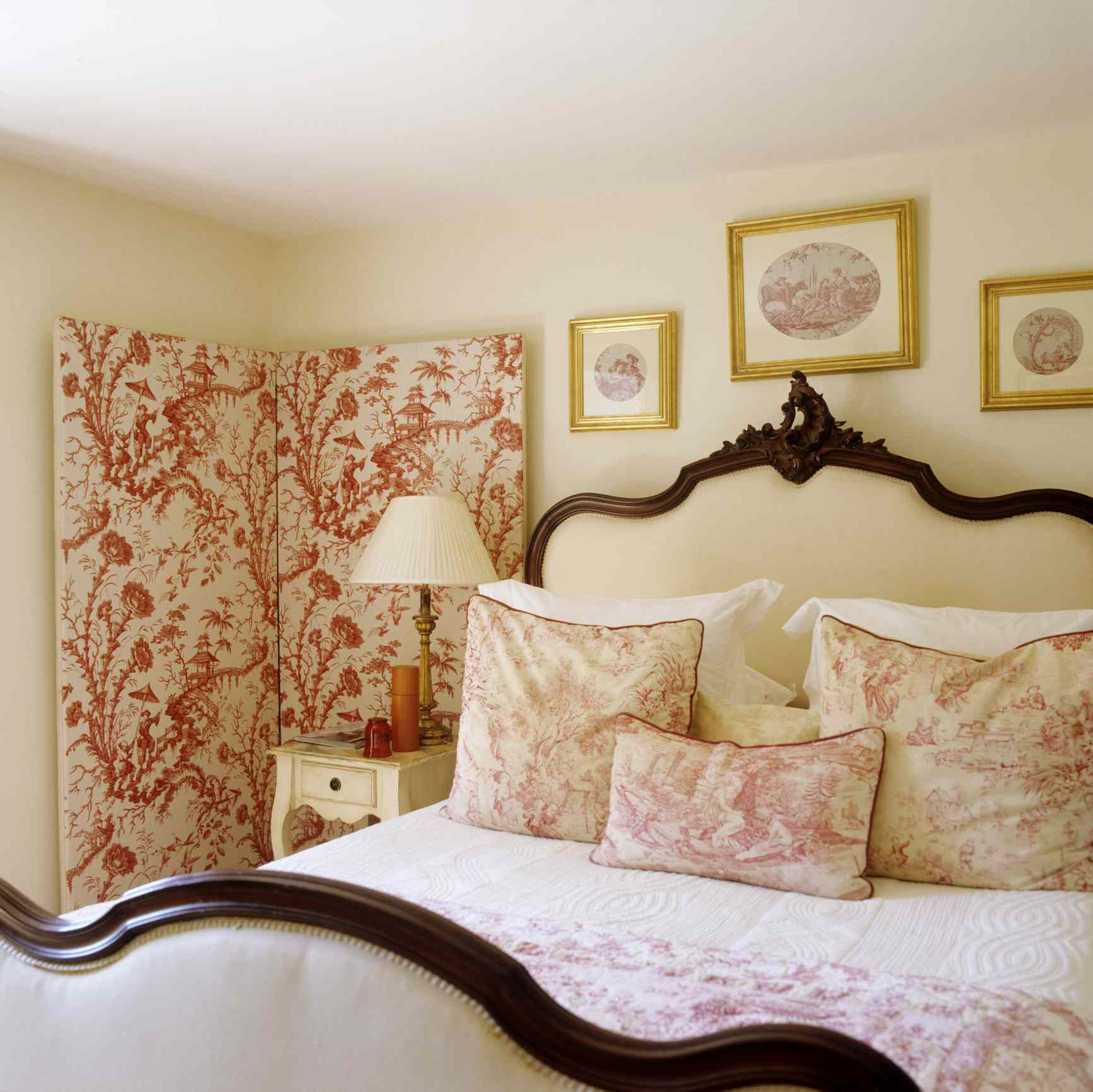 Red toile bedding yellow walls