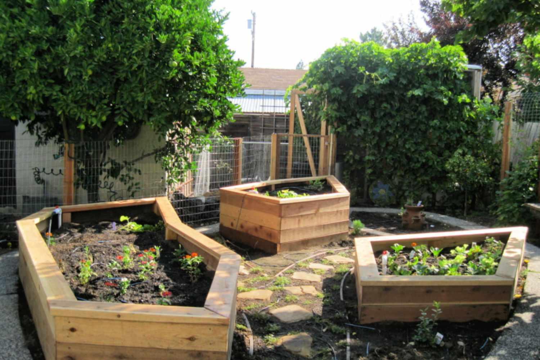 jardines pequeños con macetas