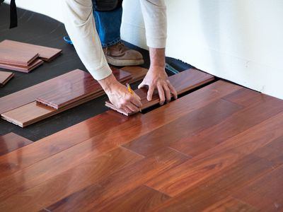How To Choose Underlayment For Laminate Flooring - How to install moisture barrier under laminate flooring